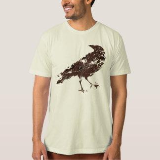Cuervo en Brown en la camisa orgánica