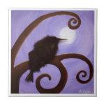 Cuervo en claro de luna azulejo cerámica