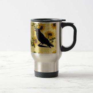 Cuervo en los girasoles taza térmica
