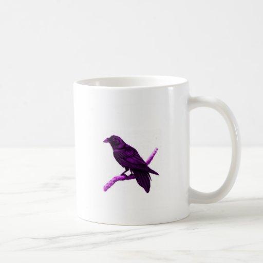 Cuervo en regalos púrpuras por Sharles Tazas
