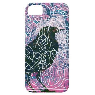 Cuervo en Runestone iPhone 5 Fundas
