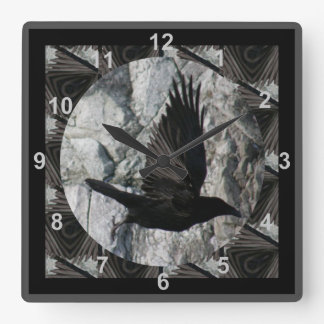 Cuervo en vuelo reloj cuadrado