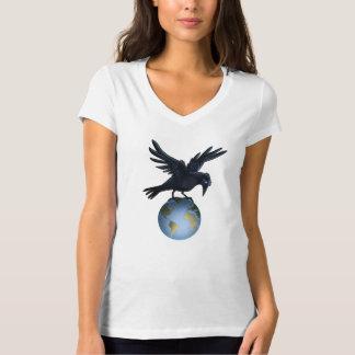 Cuervo encima del mundo - camiseta playera