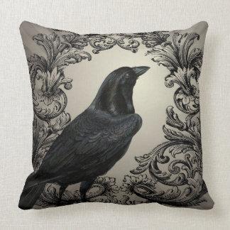 cuervo moderno de Halloween del vintage Cojín