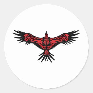 Cuervo negro adornado con el Art. abstracto Pegatina Redonda