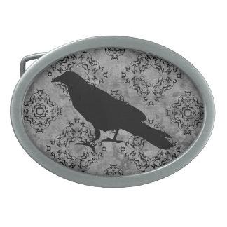 Cuervo negro gótico del cuervo de Halloween en Hebillas De Cinturon Ovales