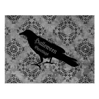 Cuervo negro gótico del cuervo en el saludo gris postal