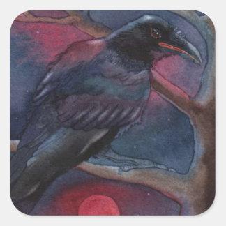 Cuervo y levantamiento rojo de la luna pegatina cuadrada