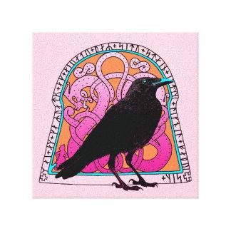 Cuervo y Runestone Lona Estirada Galerías