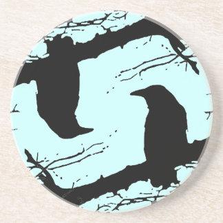 Cuervos en el árbol posavasos personalizados