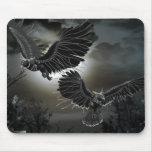 Cuervos en vuelo tapetes de ratones
