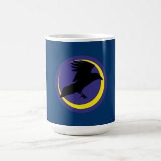 Cuervos luna media luna raven crescent moon taza