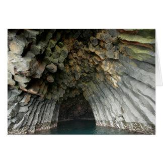 Cueva acolumnada del basalto de la isla de Akun, Tarjeta De Felicitación