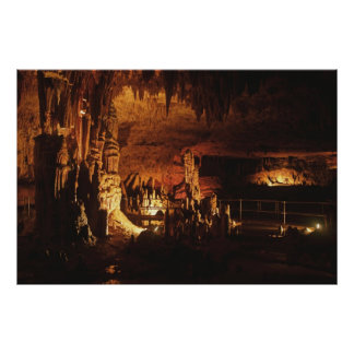 Cueva del misterio póster