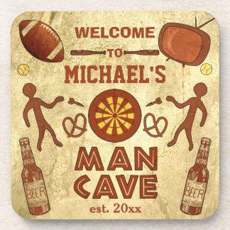 Cueva divertida del hombre con su personalizado posavaso
