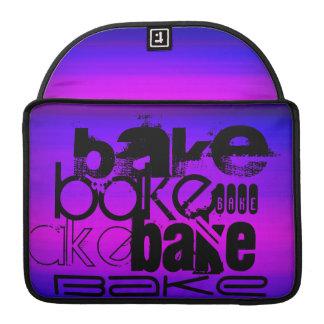 Cueza; Azul violeta y magenta vibrantes Fundas Para Macbooks