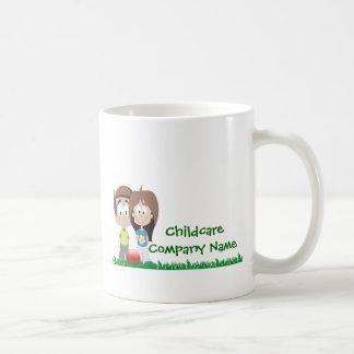 Cuidado de niños - campamento de verano - tema del taza clásica
