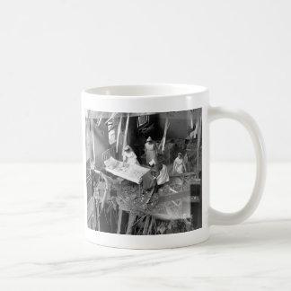 Cuidado en WWII constructivo bombardeado Taza De Café