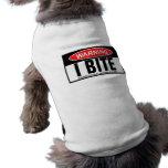 Cuidado, muerdo ropa de perro