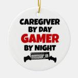 Cuidador por videojugador del día por noche ornatos