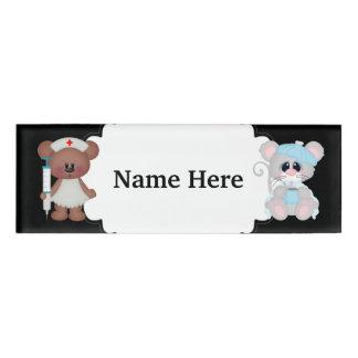 Cuide el oso que toma cuidado de la etiqueta etiqueta con nombre