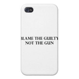 Culpe el culpable no el arma iPhone 4/4S fundas