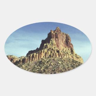 Cumbre de la montaña de la roca pegatina ovalada