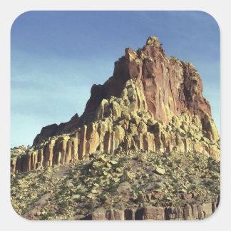 Cumbre de la montaña de la roca pegatina cuadrada