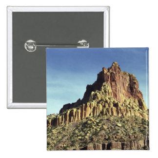 Cumbre de la montaña de la roca pins