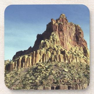 Cumbre de la montaña de la roca posavasos