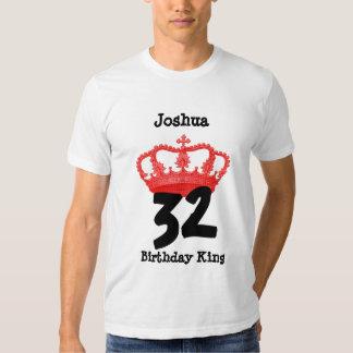 Cumpleaños 32 o CUALQUIE rey Custom Name del Poleras