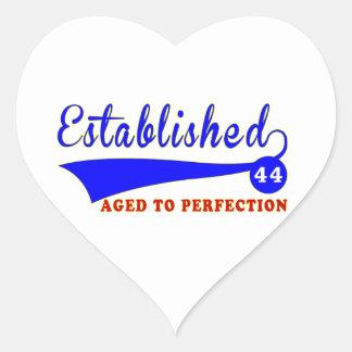 Cumpleaños 44 envejecido a la perfección calcomania corazon personalizadas