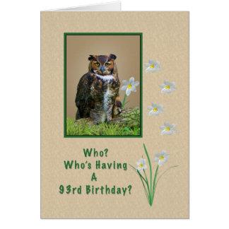 Cumpleaños, 93.o, gran búho de cuernos y flores tarjeta de felicitación