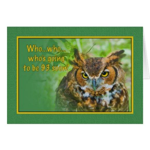 Cumpleaños, 93.o, gran pájaro del búho de cuernos tarjetas