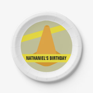 Cumpleaños anaranjado de la construcción del cono platos de papel