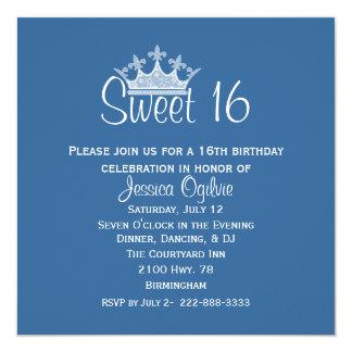 Cumpleaños azul y blanco de la corona elegante del invitaciones personalizada