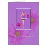Cumpleaños, bailarina con las margaritas rosadas tarjetas