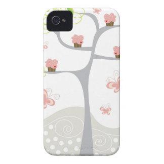 Cumpleaños caprichoso del dulce de las mariposas d iPhone 4 protector