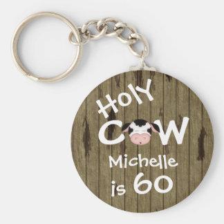 Cumpleaños chistoso personalizado de la vaca 60.a llavero redondo tipo pin