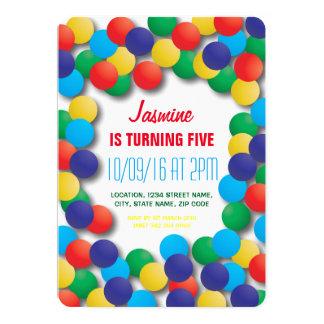 """Cumpleaños coloreado teatro del hoyo de las bolas invitación 5"""" x 7"""""""