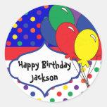 Cumpleaños colorido del lunar etiquetas redondas