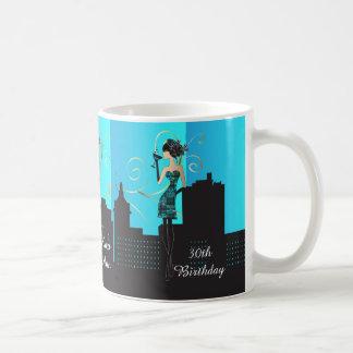 Cumpleaños con clase o chica de la diva de taza de café