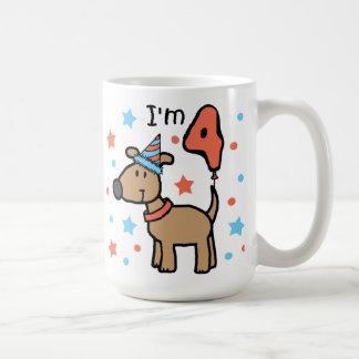 Cumpleaños cuatro del perro taza