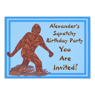 """Cumpleaños de Bigfoot Sasquatch Yeti Cryptid Invitación 4.5"""" X 6.25"""""""