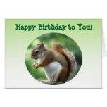 Cumpleaños de la ardilla roja tarjetas