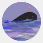Cumpleaños de la ballena pegatina redonda