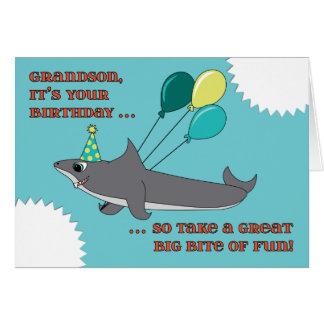Cumpleaños de la mordedura grande del tiburón del tarjeta de felicitación