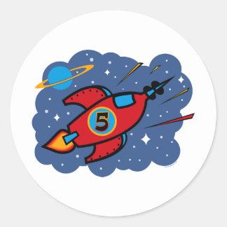 Cumpleaños de la nave de Rocket 5to Pegatina Redonda