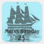 Cumpleaños de la nave de Viking Calcomania Cuadrada Personalizada