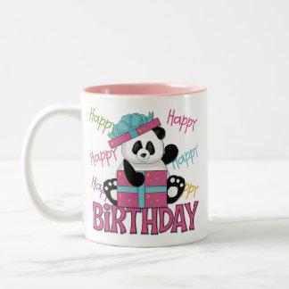 Cumpleaños de la panda taza de dos tonos